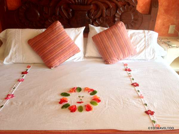 Daily Floral Designs from the Staff at Hotel Aura del Mar in Zihuatanejo