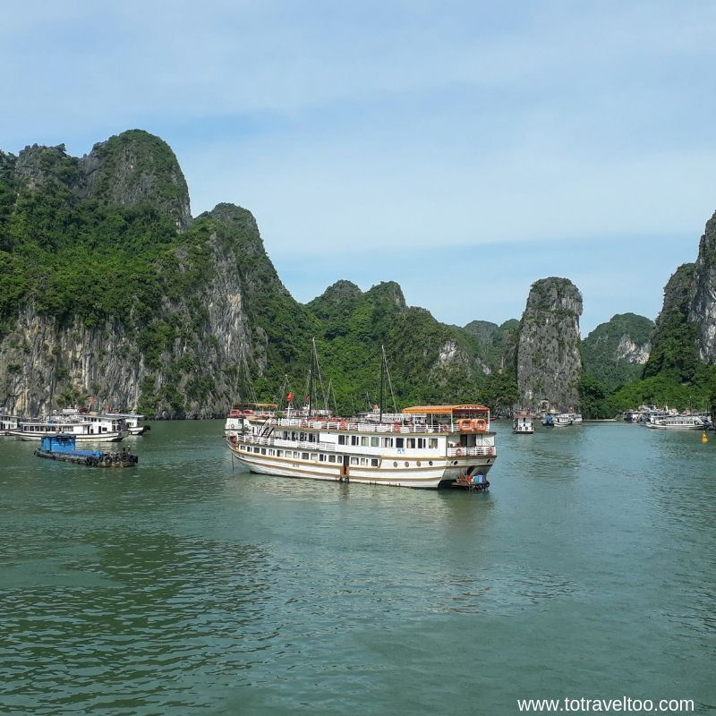 Arriving at Sung Sot Cave Halong Bay 2 night cruise on Halong Bay