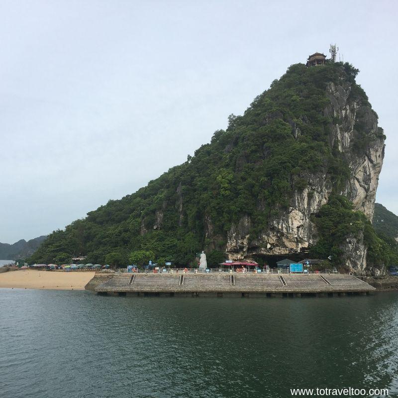 Titov Island 2 night cruise on Halong Bay