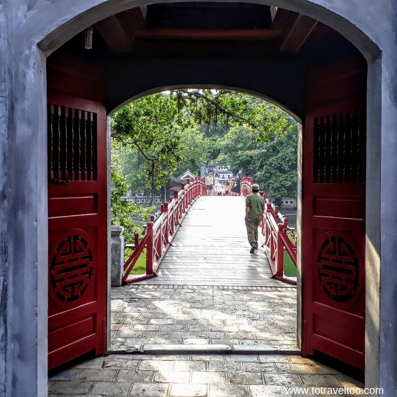 Bridge to Jade Temple
