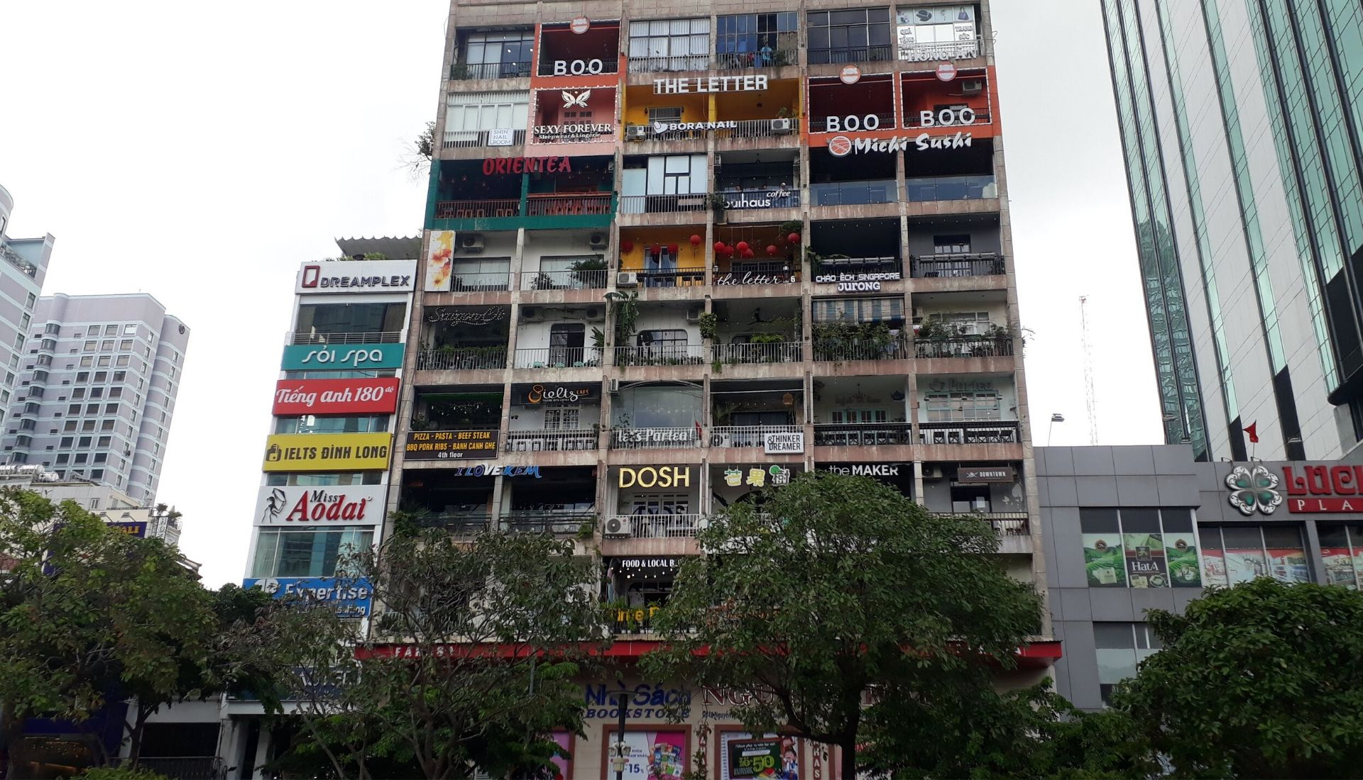 5 days in Saigon Cafe Apartment Ho Chi Minh - 9 floors of coffee shops and stores