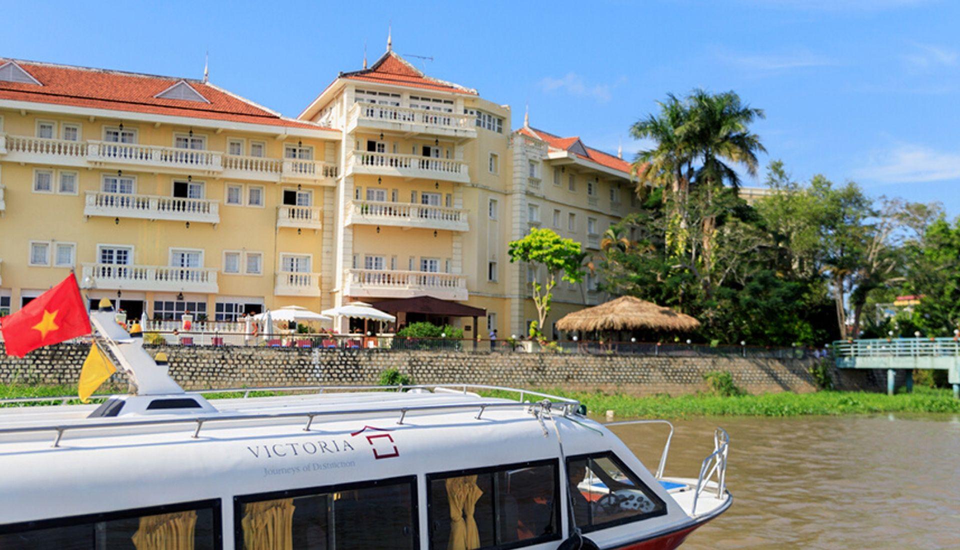 Speedboat to Phnom Penh