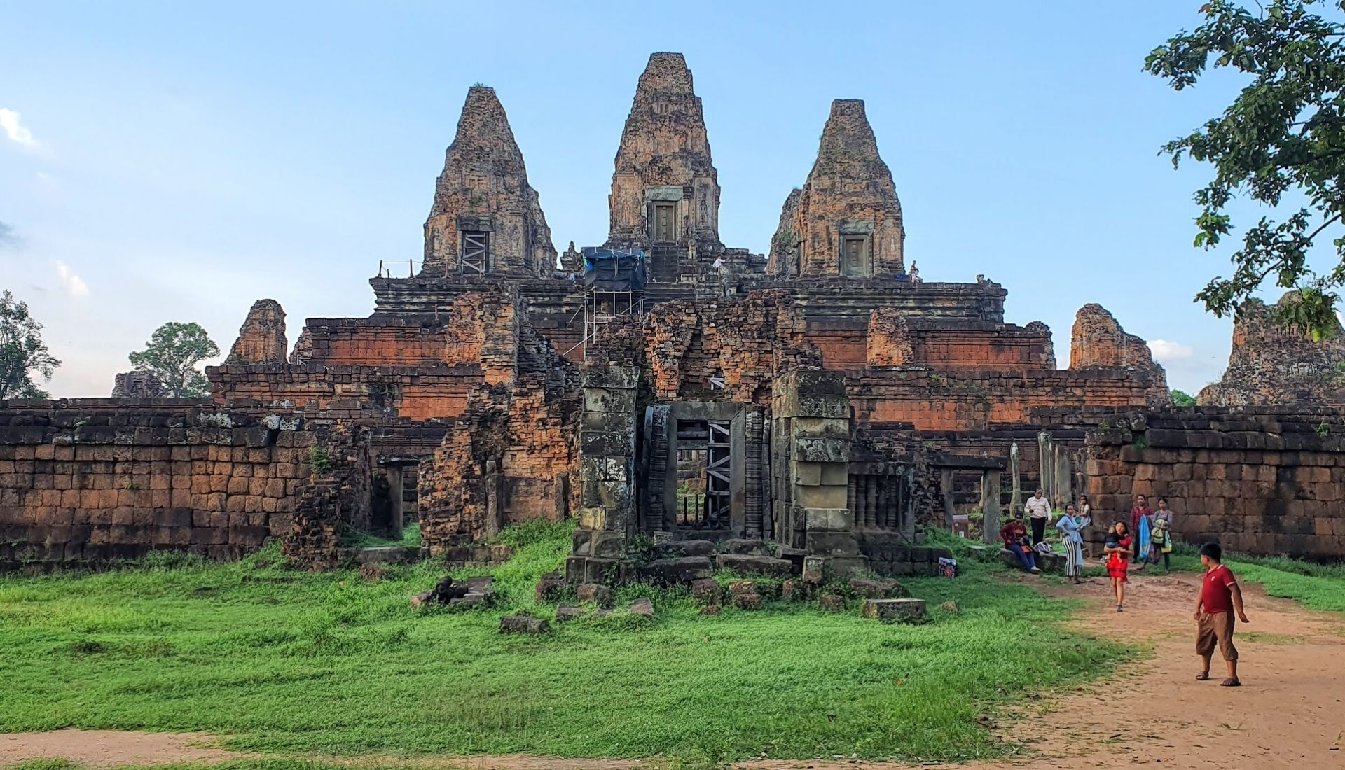 Pre Rup Temple at Sunset