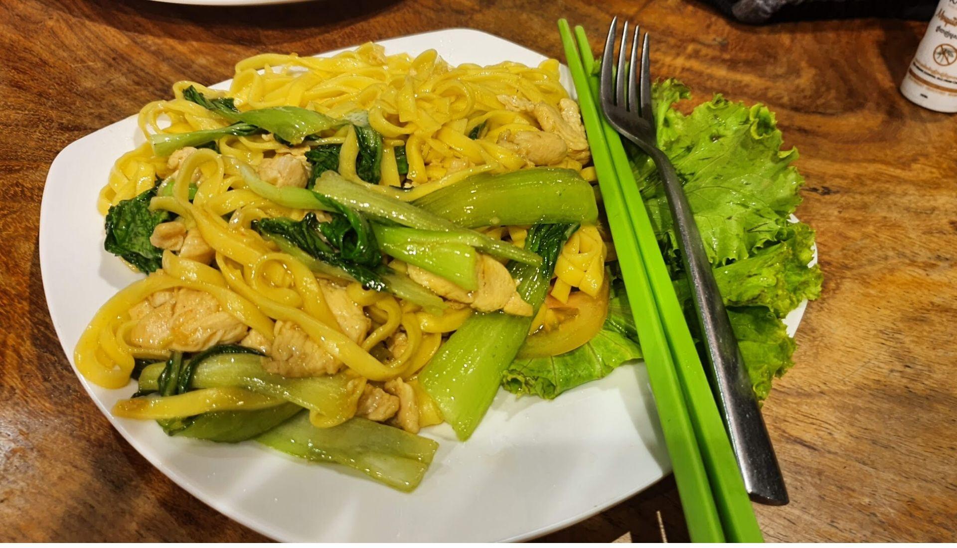Dinner at Bamboo Bungalows Kampot
